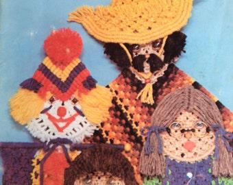 Macrame Guys 'N Gals by Susan Shwartz, Pattern book, Macrame dolls, Quality Craft Instructions 1978