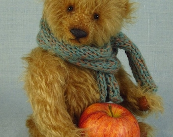 Handmade artist teddy bear in German mohair