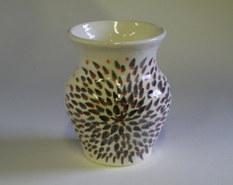 Pot with Fire Burst design