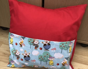 Seven Dwarves (Snow White) inspired Reading Cushion - Disney