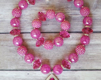 Hot pink Amulet, Amulet of Avalor, Children's Necklace, Toddler Necklace, chunky necklace, girls necklace, bubble gum necklace