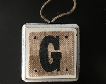 "Farm House Chic Wood+ Burlap INITIAL ""G"" Wall Plaque 4"" x 4"" x 1"""