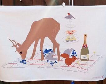 Woodland Tea Towel, Deer Tea Towel, Woodland Towel, Gift for Her, Kitchen gift, Picnic Tea Towel, Woodland gift, animal tea towel