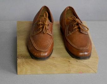 Boys brown leather oxfords Vintage Rare Retro Oxfords split toe Tie front Dress shoes Unworn Vintage 60s 1960s Genuine leather Size 27