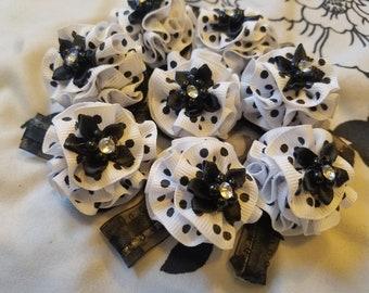 Wildflower White and Black, Black and white mini dot