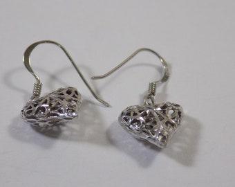 Cute sterling silver heart earring