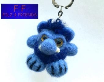 Monster key fob, hairy Blue