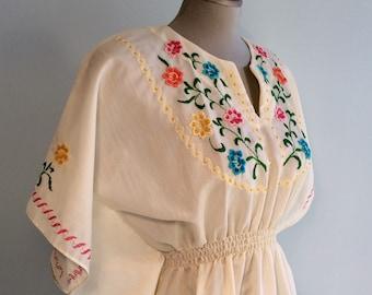 Vintage 70s Ivory EMBROIDERED KaFTAN Dress XS S
