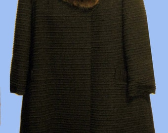 Early 1960's Walffle cloth coat with a Mink Fur Collar Sz S-M
