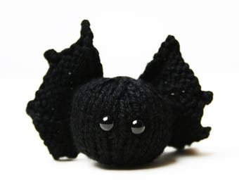 Knit your own Baby Bat (pdf knitting pattern)