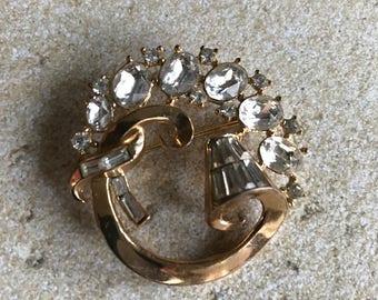Goldtone Alfred Phillipe Trifari / Promenade Chunky Vintage Trifari Brooch / pin with Rhinestones