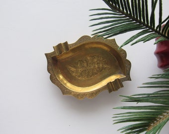 Vintage Brass Ashtray, Vintage brass catchall, catch all, brass dish, trinket tray