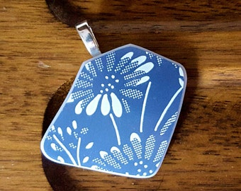 Colonial Mist Pyrex Jewelry Pendant, Blue & White Daisy abstract, Upcycled Recycled broken Vintage 1983 bowl, PyrexJewelry Retro Gift #P223