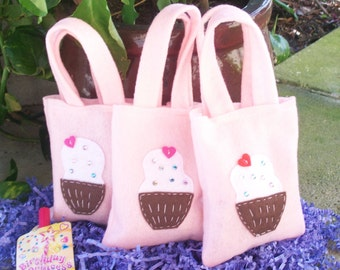 SWEET CUPCAKES PARTY/ Felt party favors /set of 6 funny party bags/supplies