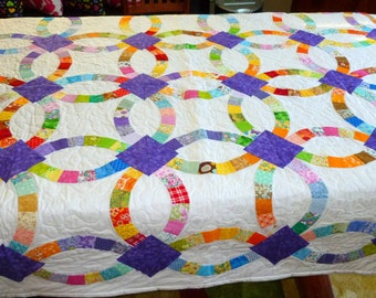 Double Wedding Ring Quilt in Multi Colored