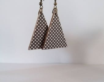 Black and white checkered print triangle earrings
