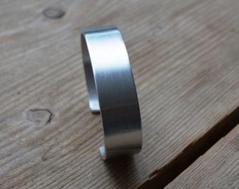 Handmade custom made aluminum bangle bracelet 1.5 cm wide, maintenance free, silver color