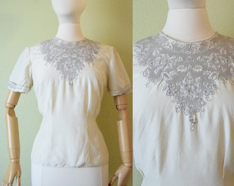 1950's Embroidered Blouse | Pinned Waist Blouse and Buttons on Back