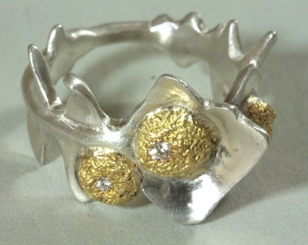 Dandelion's leaves-shapped ring and his 3 diamonds