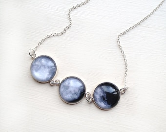 Moon phase necklace La luna - Phases of the Moon Small - Glass Dome Statement Necklace