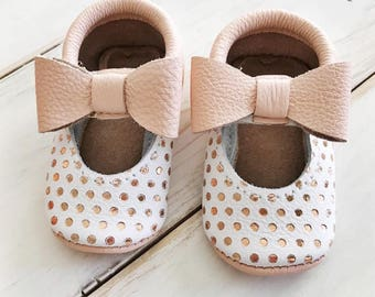 Rose gold mocs | mocs | baby mocs | girl mocs | moccasins | Mary Jane shoes | soft soled shoes | mary jane mocs | baby gift | crib shoes