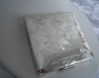 Vintage Elgin American compact, etched floral silver plate compact, Art Deco era compact, made in USA