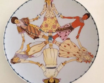 UNICEF PLATE -- 1979 Year of the Child -- Commemorative Plate by Heinrich, Villeroy & Boch, Mint Condition in Box!