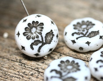 18mm White Flower beads, 2pc White and Black Czech glass beads, Round tablet floral ornament beads, white czech glass bead - 2pc - 1127