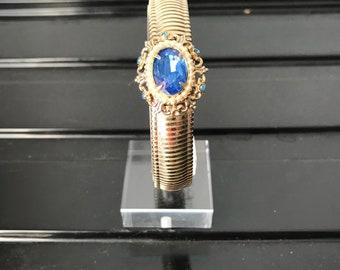 Lovely Coro Bracelet w/Blue Stone