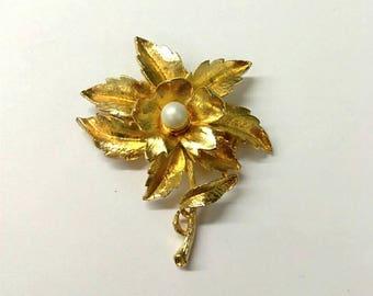 Vintage Gold Flower Brooch Pin, Mid Century Brooch, Pearl Brooch Pin, Flower Brooch Pin, Accessories,