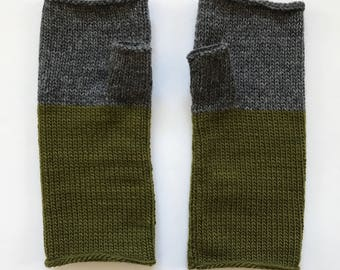 Fingerless Mittens Hand Warmers Wool Fine Gauge in charcoal and Olive green