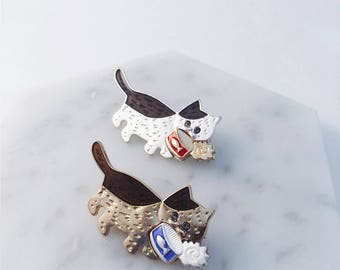 Cute cats with canned fish; Hungry cat brooch; cat brooch; cat pin; cat accessories;