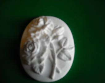 Oval chalk with roses, bonbonniere, placeholder, perfume for drawers
