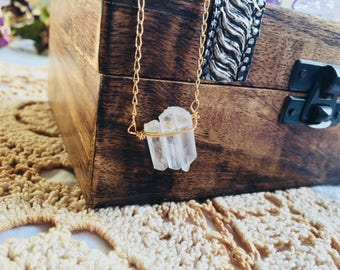 Mothers Day Gift Clear Quartz Necklace, Rock Crystal necklace. Gold Fill Protection Necklace. Point Quartz necklace, Kundalini necklace Boho