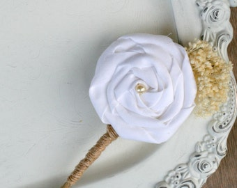 White Flower Wedding Boutonniere // White, Natural, Groom, Groomsmen, Wedding Flower, Button Hole, Men's Flower, Fabric Flower, Wedding Pin