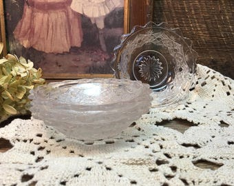 Pressed Glass Dessert Bowls/Set of Four/Clear/Cut Glass/Cups