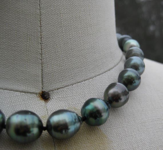 LUNA  Tahitian Pearls Necklace with Ruby Drop Accent