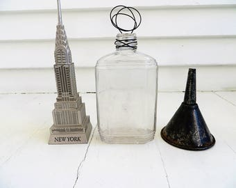 Wire photo stand / Picture stand from repurposed glass bottle / Upcycled junk