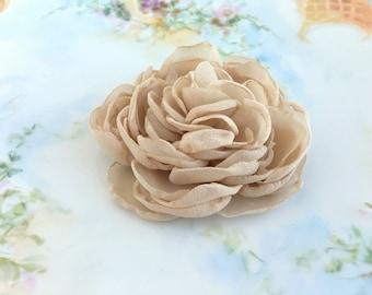 Champagne Peony Flower Hair Clip.Wedding Hair Piece.Bridal Headpiece.Light Tan.pin.champagne flower brooch.hair accessory.fascinator