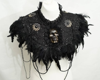 Goth skull collar cape with feathers and pearls-skull Federcape collar with pearl necklaces single piece