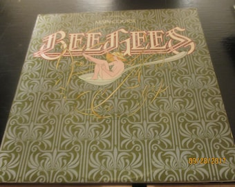 The Bee Gees NM vinyl record - Main Course  - Original -  Vintage Album Cover lp in VG++ Condition