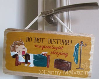 "Newt Scamander (Fantastic Beasts - Harry Potter) door panel ""Do not disturb"""