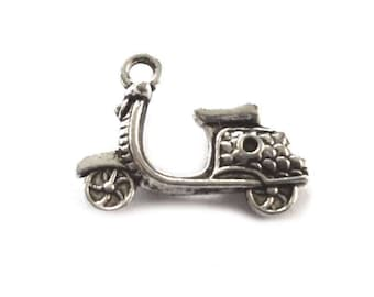 SC800 5 Dolphin Charms Antique Silver Tone