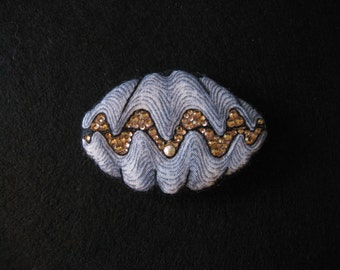CLAM OYSTER SHELL Pin-Bling Seashell Brooch-Swarovski Crystal-Hand Embroidered