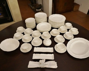 Coalport/Wedgwood Vintage 1970's Countryware/Country Ware Cabbage Leaf bone china set of 84 pieces