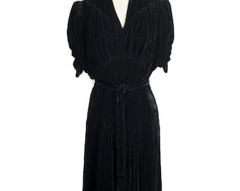 Beautiful vintage 1930s black V-neck LBD silk velvet gown - Glamorous Thirties nipped-in waist short sleeve midi dress