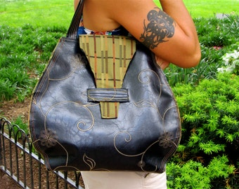 Black&Gold tote with brown tone geometric lining
