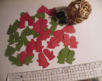 Hats and gloves in red and green confetti