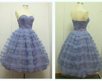 ORIGINAL VINTAGE 1950's New Look Style Lilac Dress - Bridal - Prom - VLV - Party Dress - Netting - Size Small