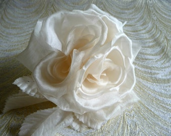 Silk Roses Ivory Vintage Style for Weddings Hats Corsage Bridal Bouquet Gown 3FN0082I